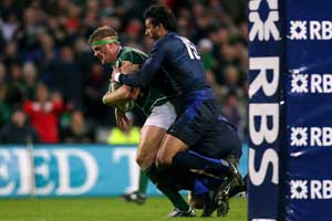 Jamie Heaslip scores against France