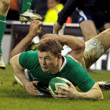Brian O'Driscoll crosses for Ireland's second try