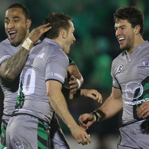 Fetu'u Vainikolo and Danie Poolman celebrate with 17-point hero Dan Parks