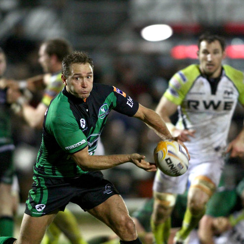 Dan Parks throws a pass at the Sportsground