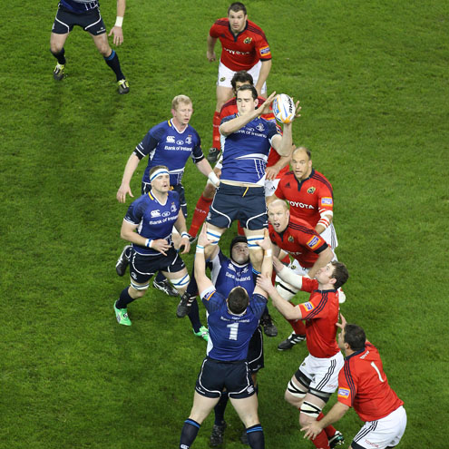 Devin Toner wins a lineout for Leinster