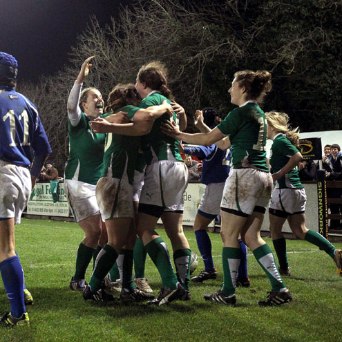 Try scorer Niamh Kavanagh is congratulated by her team-mates