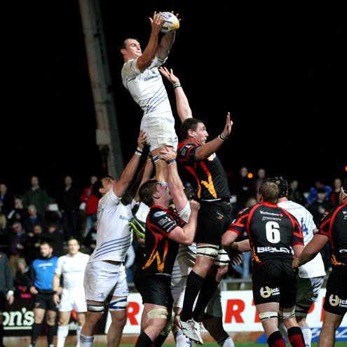 Rhys Ruddock wins a lineout for Leinster