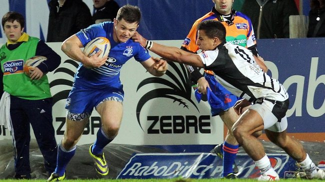 Sam Coghlan Murray breaks past David Odiete