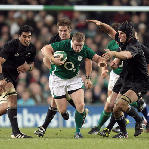 Sean Cronin takes the ball on for Ireland