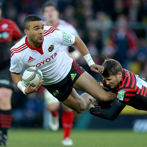 Simon Zebo is brought down by Saracens' Richard Wigglesworth