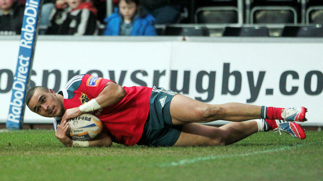 Simon Zebo slides over to score against the Ospreys
