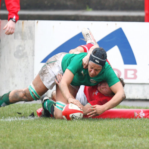Sophie Spence scored Ireland's first try