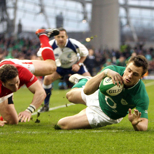 Tommy Bowe crosses for Ireland's second try