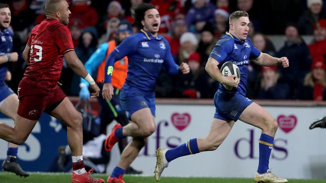 Jordan Larmour dashes towards the try-line