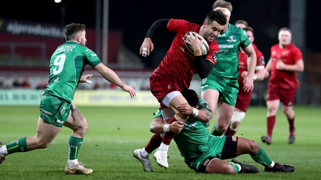 Conor Murray tests out the Connacht defence