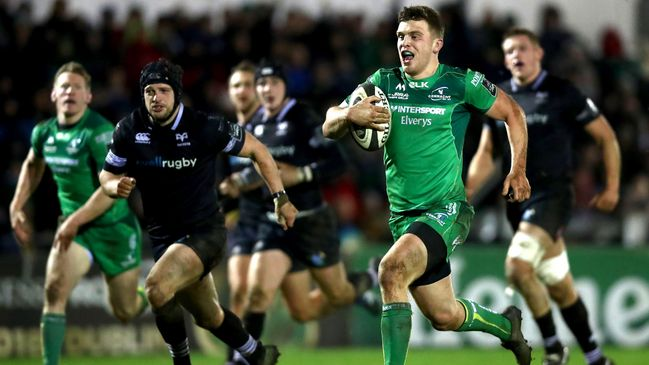 Centre Tom Farrell races clear to score Connacht's second try