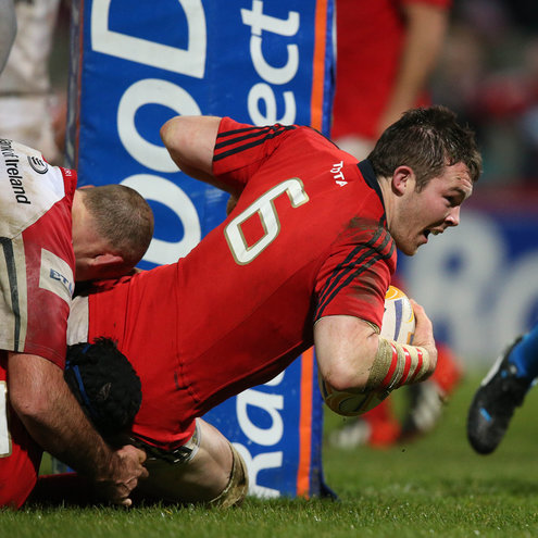 Peter O'Mahony crashes over for Munster's third try