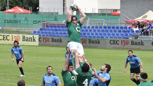 Flanker Tommy O'Donnell gathers a lineout ball