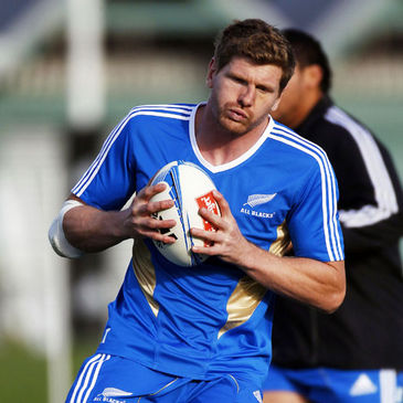 Adam Thomson training with the New Zealand squad