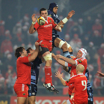 Munster's Alan Quinlan wins a lineout against Cardiff