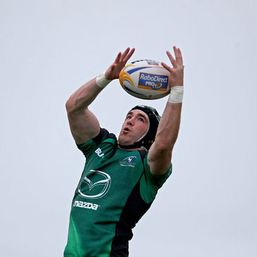 Connacht's Andrew Browne wins a lineout