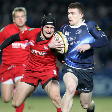 Andrew Conway on the attack for Leinster