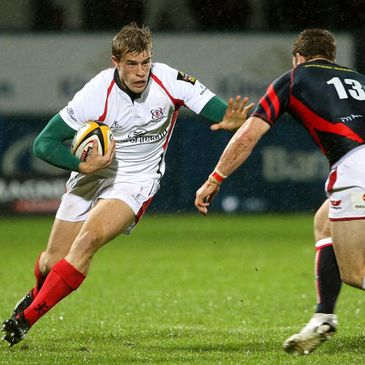 Andrew Trimble takes on the Scarlets defence