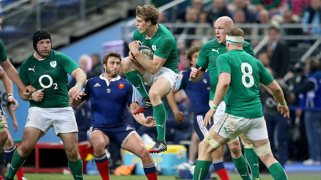 Andrew Trimble gathers a high ball in Paris