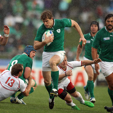 Andrew Trimble makes a break for Ireland
