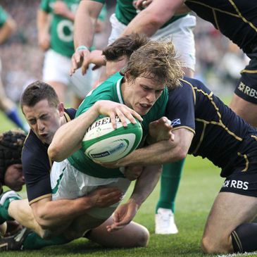 Andrew Trimble scores a try for Ireland against Scotland