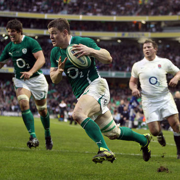 Brian O'Driscoll in action against England