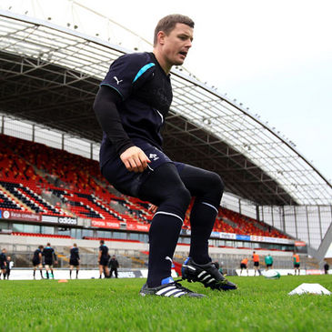 Brian O'Discoll going through his paces at Thomond Park