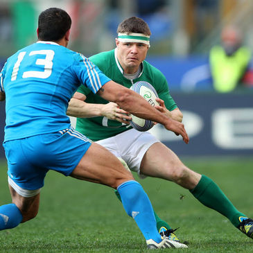 Brian O'Driscoll in action against Italy