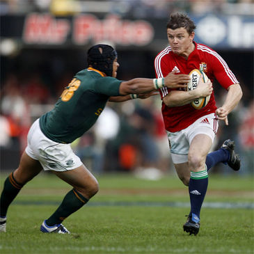 Brian O'Driscoll breaks past South Africa centre Adrian Jacobs