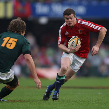 Brian O'Driscoll tries to get past Springboks full-back Francois Steyn
