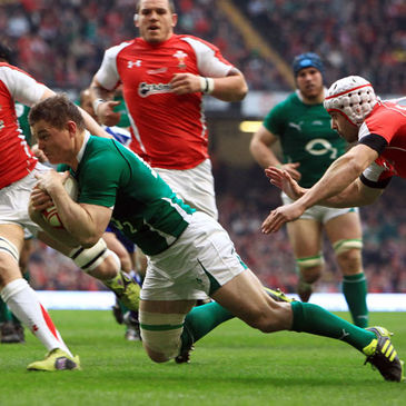 Brian O'Driscoll dives over for a try against Wales
