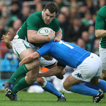 Cian Healy in action against Italy during the 2010 Six Nations
