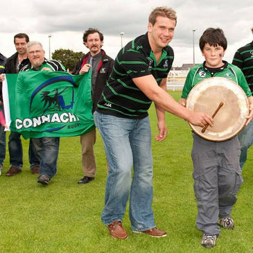 Thomas Anderson with members of the Connacht Clan Committee