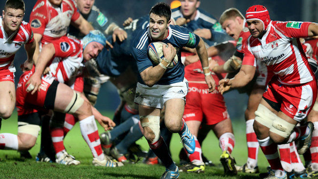 Conor Murray on the attack for Munster