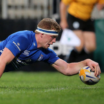 Dan Leavy stretches over to score Leinster's second try