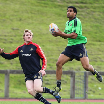 Munster centres Danny Barnes and Lifeimi Mafi