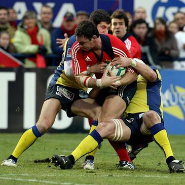Munster flanker David Wallace on the charge against Clermont Auvergne