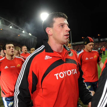Denis Leamy walking off the Thomond Park pitch after a warm-up