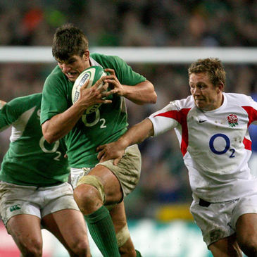 Donncha O'Callaghan in action against England in 2007