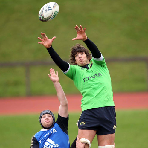 Donncha O'Callaghan wins a lineout at training