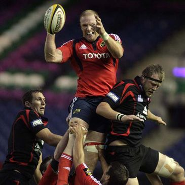 Paul O'Connell wins lineout possession for Munster against Edinburgh