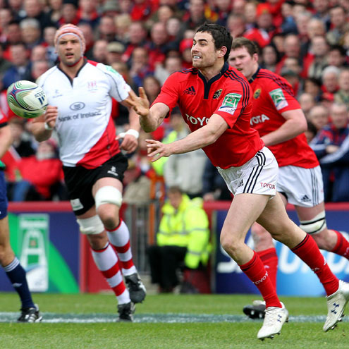 Felix Jones throws a pass during Munster's Heineken Cup quarter-final clash with Ulster
