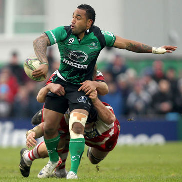 Fetu'u Vainikolo in action for Connacht
