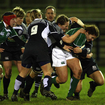 Fiona Coghlan carries forward for Ireland