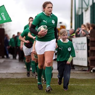 Fiona Coghlan leading the Ireland team out