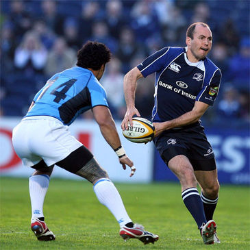 Leinster's Girvan Dempsey looks for support against Glasgow
