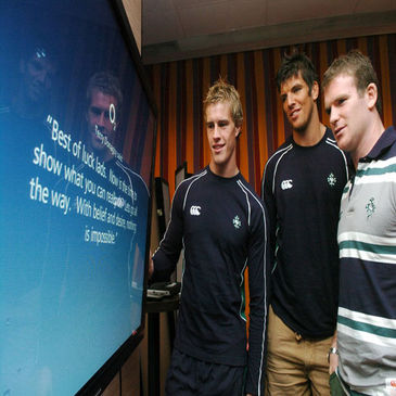 Andrew Trimble, Donncha O'Callaghan and Gordon D'Arcy viewing the messages