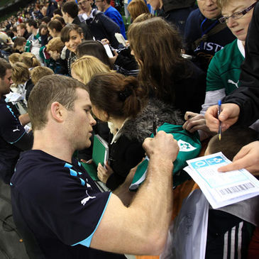 Gordon D'Arcy signs autographs for the fans at the Aviva Stadium
