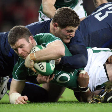 Gordon D'Arcy stretches over to score against France